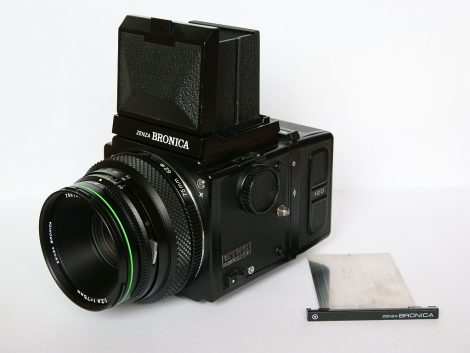 Zenza Bronica ETRS with Bronica Zenzanon 75mm f2.8 EII lens - (1).jpg