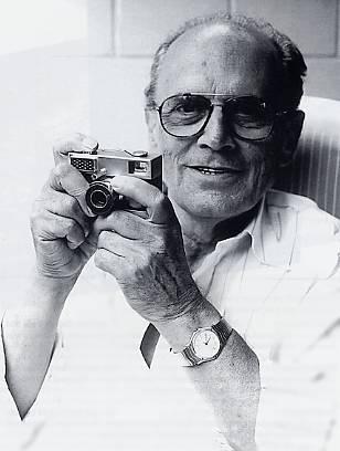 Heinz Waaske,他建造了许多照相设备。 他最出名的是创造了Rollei 35相机。 这张照片拍摄于1995年7月去世前六周左右。