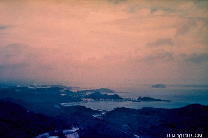 Contax TVS上的Lomochrome Purple XR100-400